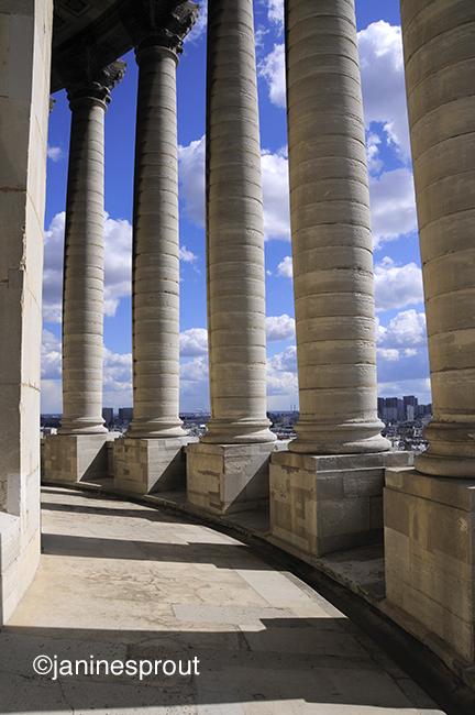 Pantheon Paris Colonnade