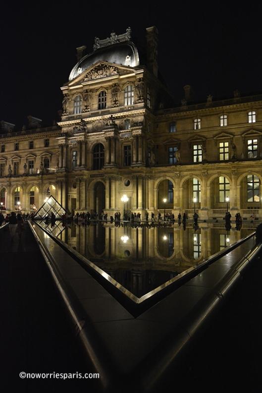 Palais Du Louvre Nuit