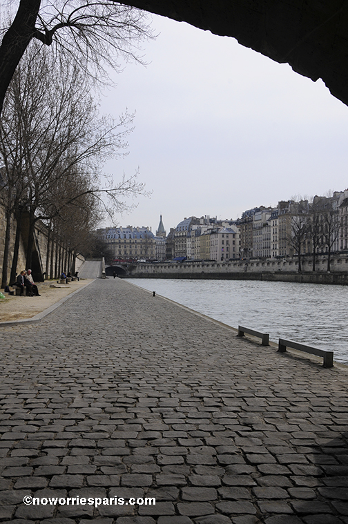 Seine_walk_paris