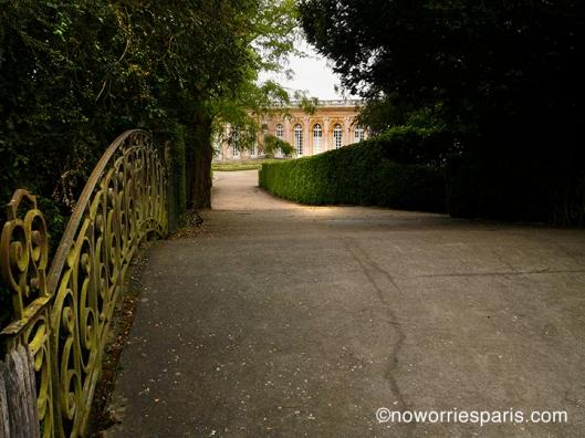 Versailles pathway