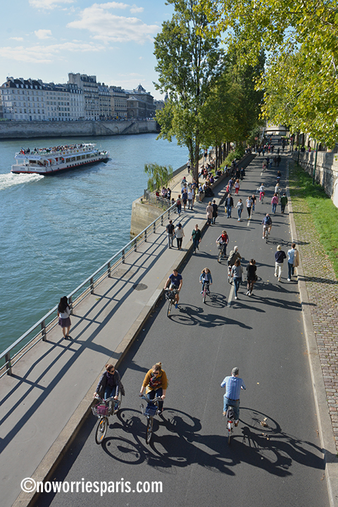 biking Paris Quais