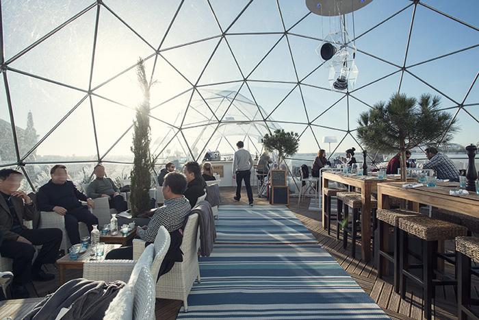 the rooftop igloos at galeries lafayette no worries paris. Black Bedroom Furniture Sets. Home Design Ideas
